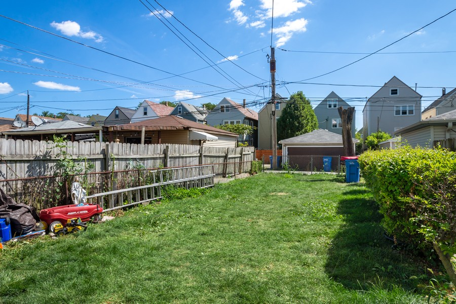 Real Estate Photography - 2711 N Hamlin Avenue, Chicago, IL, 60647 - Back Yard