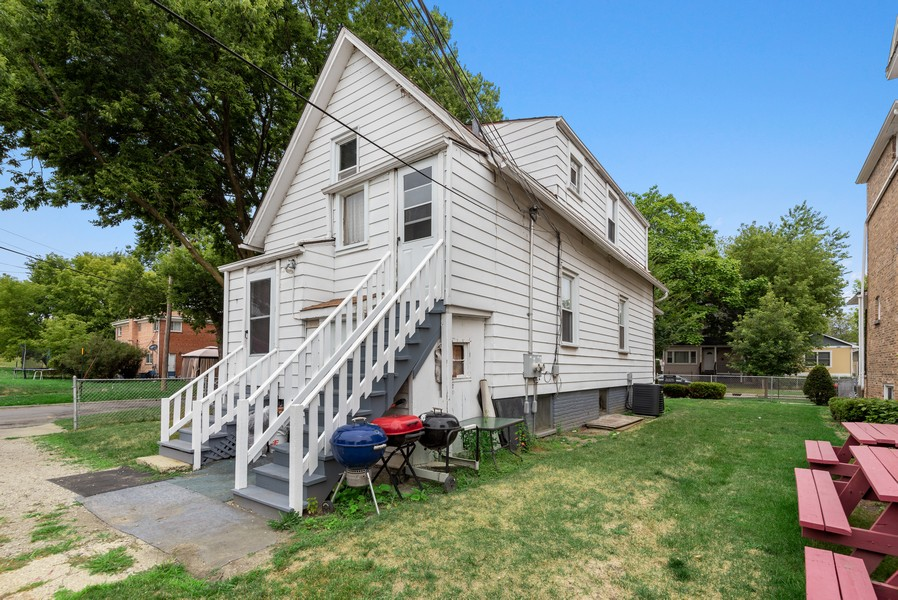 Real Estate Photography - 1944 Jackson, Evanston, IL, 60201 - Side View