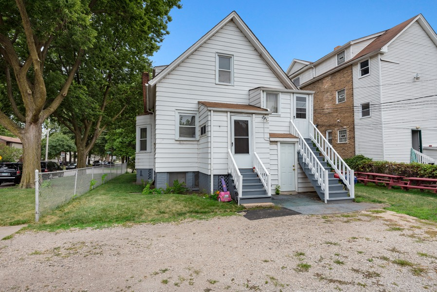 Real Estate Photography - 1944 Jackson, Evanston, IL, 60201 - Rear View