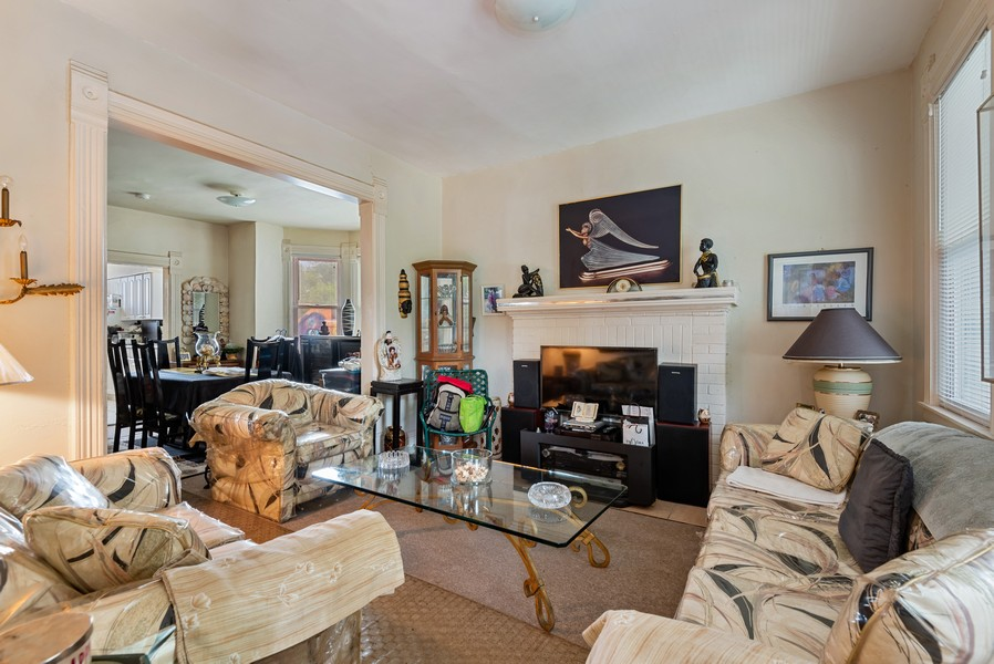 Real Estate Photography - 1944 Jackson, Evanston, IL, 60201 - Living Room / Dining Room