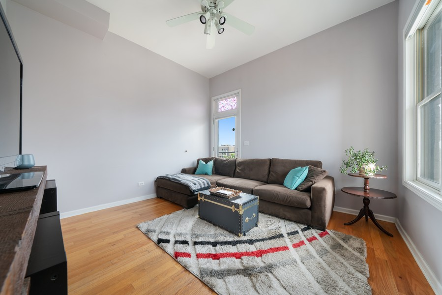 Real Estate Photography - 744 N May St #3P, Chicago, IL, 60642 - Living Room