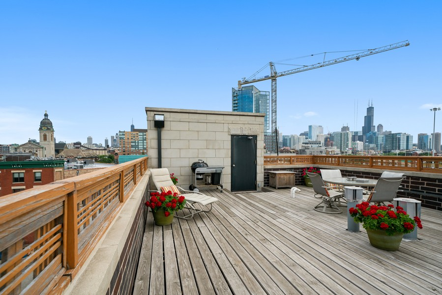 Real Estate Photography - 744 N May St #3P, Chicago, IL, 60642 - Roof Deck