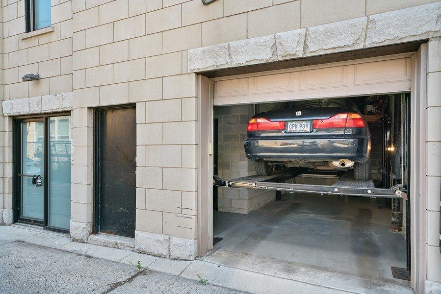 Real Estate Photography - 744 N May St #3P, Chicago, IL, 60642 - Garage