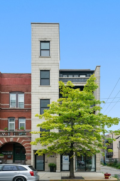 Real Estate Photography - 744 N May St #3P, Chicago, IL, 60642 - Front View