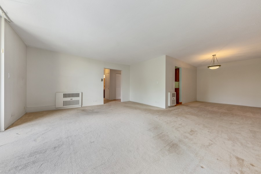 Real Estate Photography - 1110 Grove St., Unit 3C, Downers Grove, IL, 60515 - Family Room