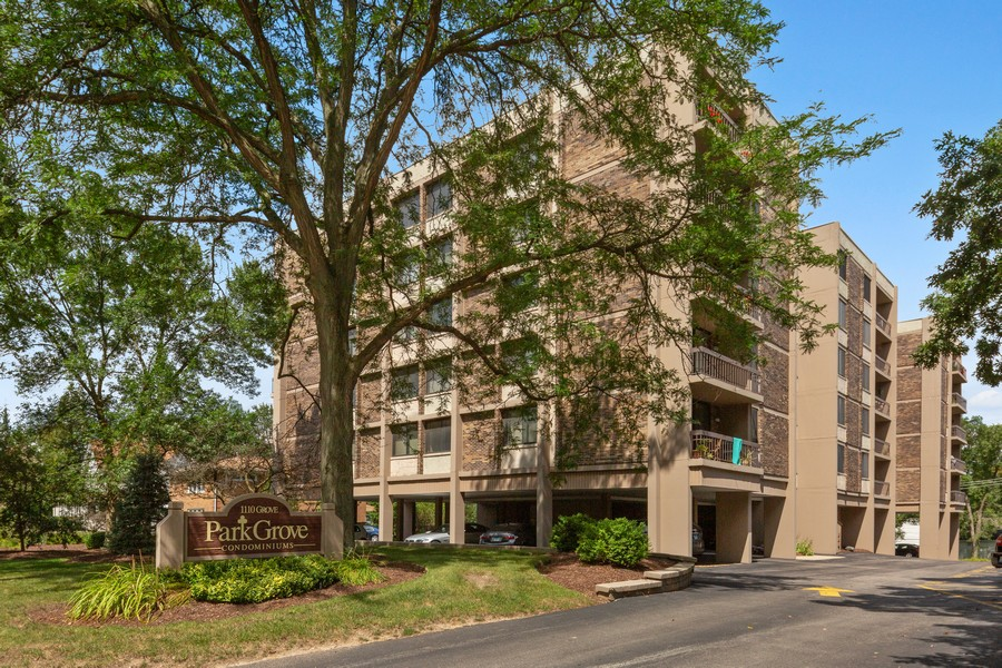 Real Estate Photography - 1110 Grove St., Unit 3C, Downers Grove, IL, 60515 - Front View