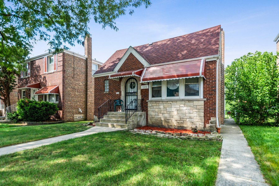 Real Estate Photography - 7346 S California avenue, Chicago, IL, 60629 - Front View