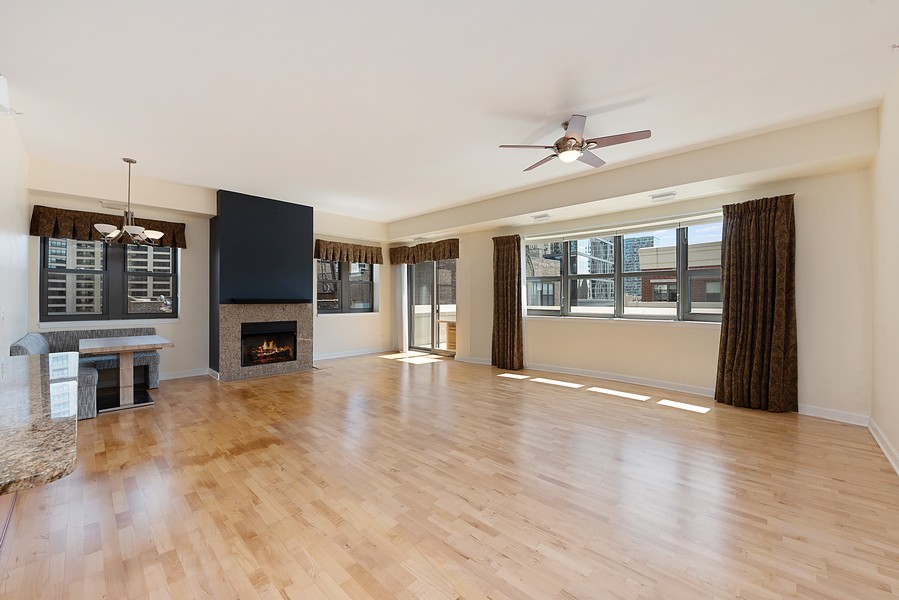 Real Estate Photography - 1111 S State Street, Unit A702, Chicago, IL, 60605 - Living Room