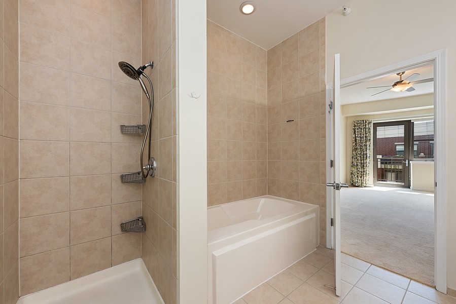 Real Estate Photography - 1111 S State Street, Unit A702, Chicago, IL, 60605 - Master Bathroom