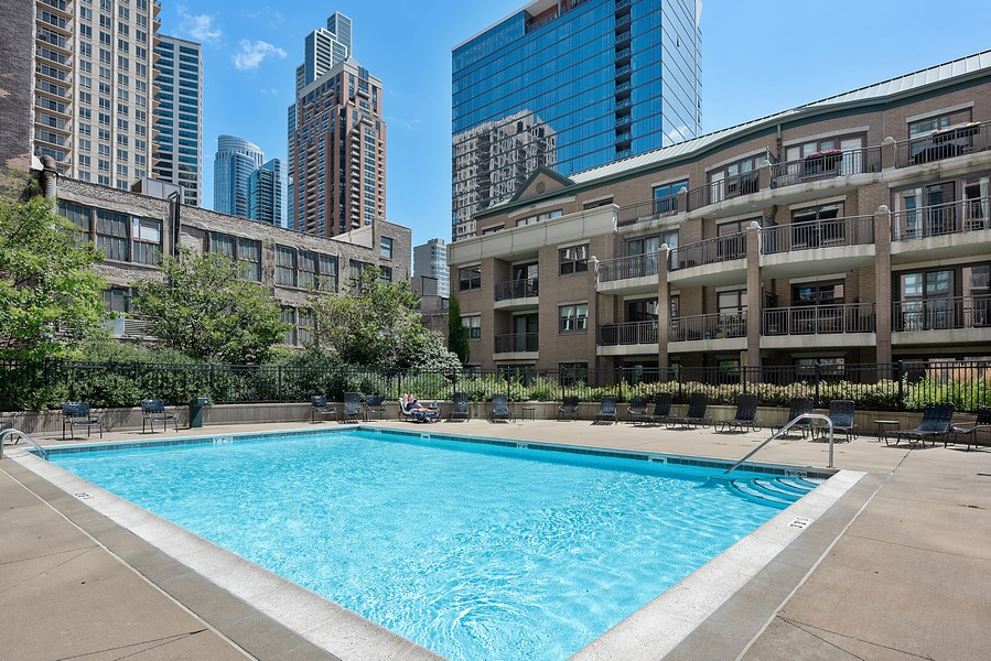 Real Estate Photography - 1111 S State Street, Unit A702, Chicago, IL, 60605 - Pool
