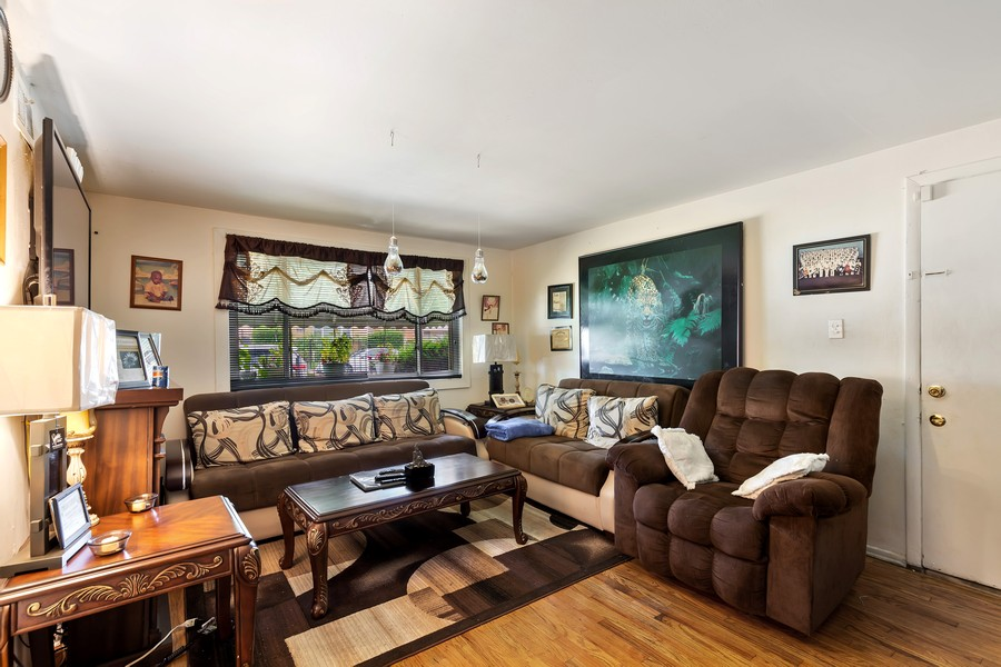 Real Estate Photography - 4541 S LAPORTE AVE, Chicago, IL, 60638 - Living Room