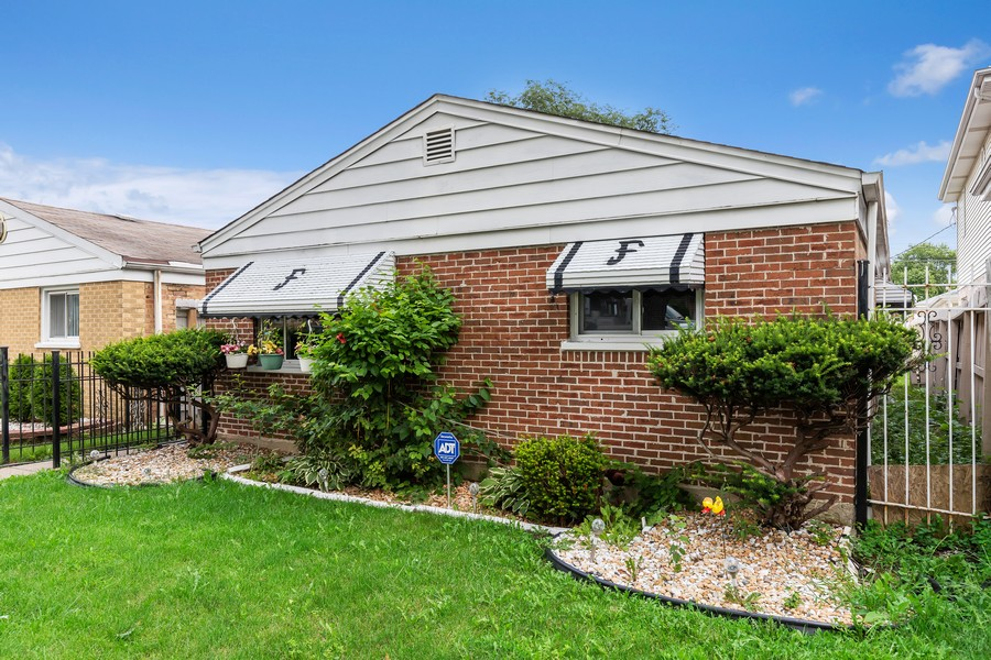 Real Estate Photography - 4541 S LAPORTE AVE, Chicago, IL, 60638 - Front View