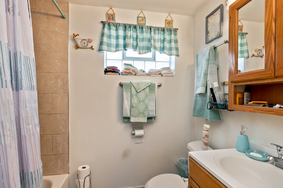 Real Estate Photography - 4541 S LAPORTE AVE, Chicago, IL, 60638 - Bathroom