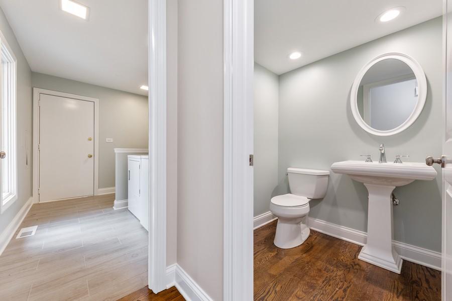 Real Estate Photography - 47 Briarwood South, Oak Brook, IL, 60523 - Powder Room