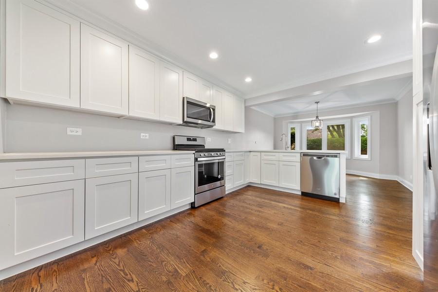 Real Estate Photography - 47 Briarwood South, Oak Brook, IL, 60523 - Kitchen