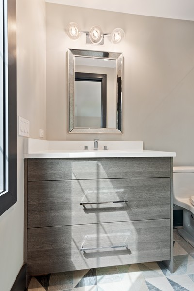 Real Estate Photography - 1942 W George, Chicago, IL, 60657 - 4th Bathroom