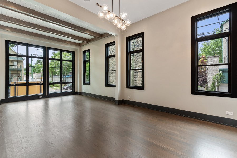 Real Estate Photography - 1942 W George, Chicago, IL, 60657 - Living Room