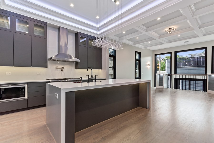 Real Estate Photography - 1942 W George, Chicago, IL, 60657 - Kitchen