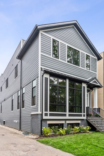 Real Estate Photography - 1942 W George, Chicago, IL, 60657 - Front View