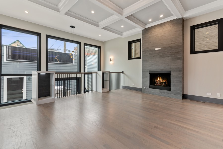 Real Estate Photography - 1942 W George, Chicago, IL, 60657 - Family Room