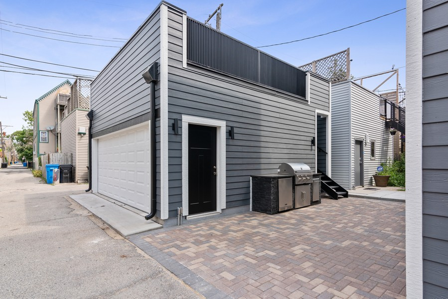 Real Estate Photography - 1942 W George, Chicago, IL, 60657 - Garage