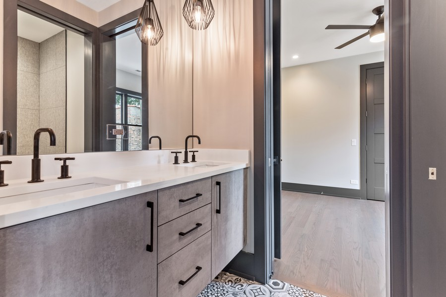 Real Estate Photography - 1942 W George, Chicago, IL, 60657 - 2nd Bathroom