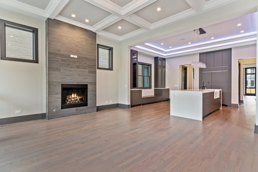 Real Estate Photography - 1942 W George, Chicago, IL, 60657 - Family Room / Kitchen