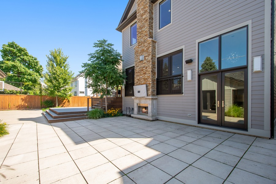 Real Estate Photography - 2026 W Wilson, Chicago, IL, 60625 - Patio