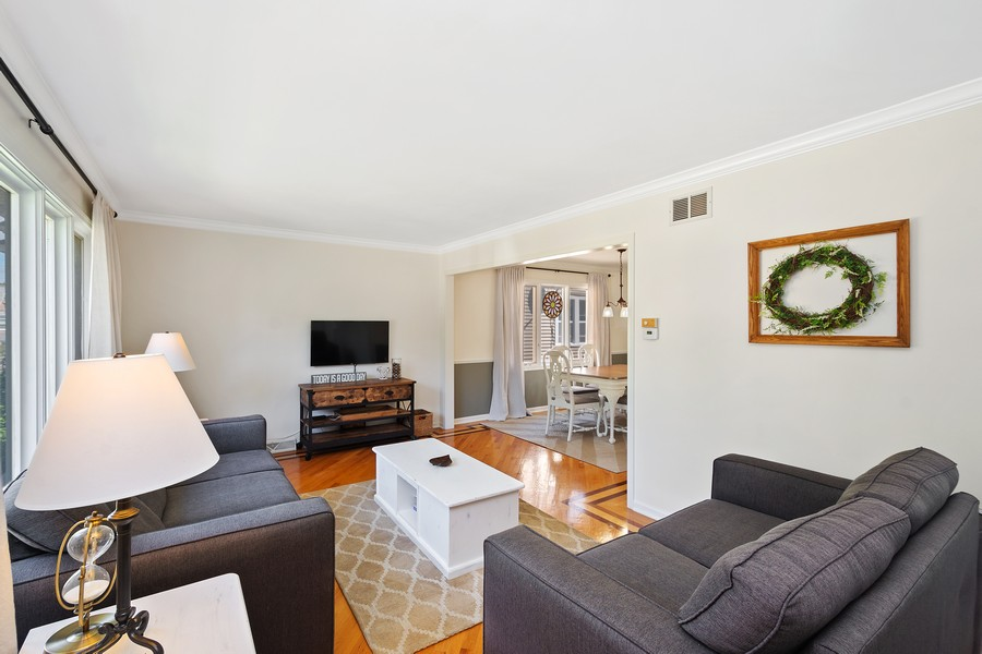 Real Estate Photography - 5145 N Meade Ave, CHICAGO, IL, 60630 - Living Room