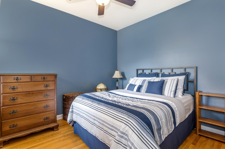 Real Estate Photography - 839 W Lawrence, Unit 2W, Chicago, IL, 60640 - 2nd Bedroom