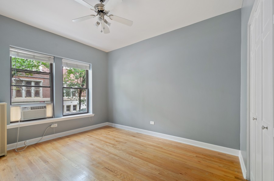 Real Estate Photography - 1522 W Belle Plaine, Unit #1, Chicago, IL, 60613 - 2nd Bedroom