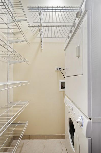 Real Estate Photography - 1522 W Belle Plaine, Unit #1, Chicago, IL, 60613 - Laundry Room