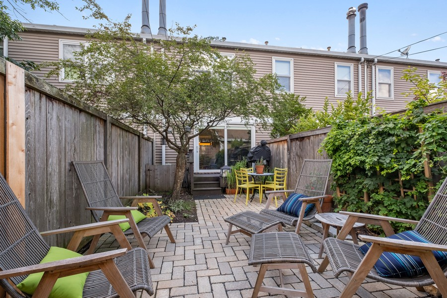 Real Estate Photography - 609 Custer, Unit B, Evanston, IL, 60202 - Rear View