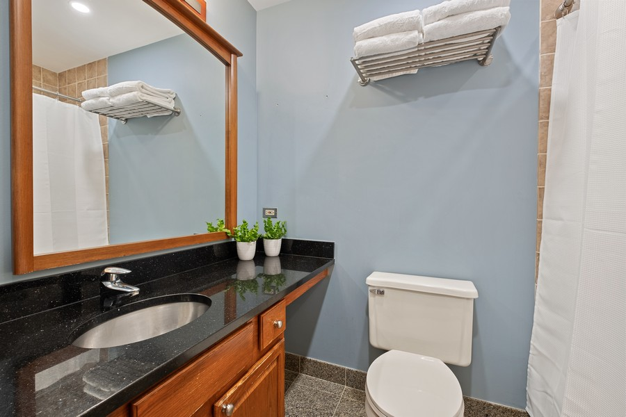 Real Estate Photography - 609 Custer, Unit B, Evanston, IL, 60202 - 2nd Bathroom