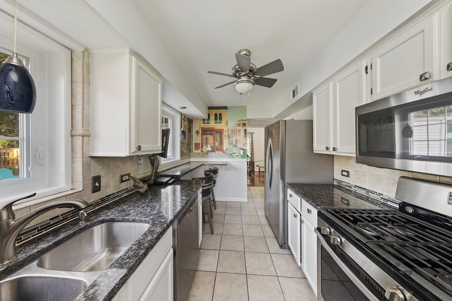 Real Estate Photography - 631 S Arlington Heights Rd, Arlington Heights, IL, 60004 - Kitchen