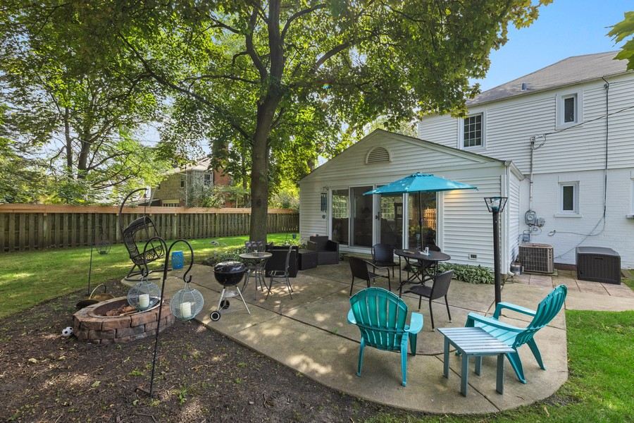 Real Estate Photography - 631 S Arlington Heights Rd, Arlington Heights, IL, 60004 - Patio