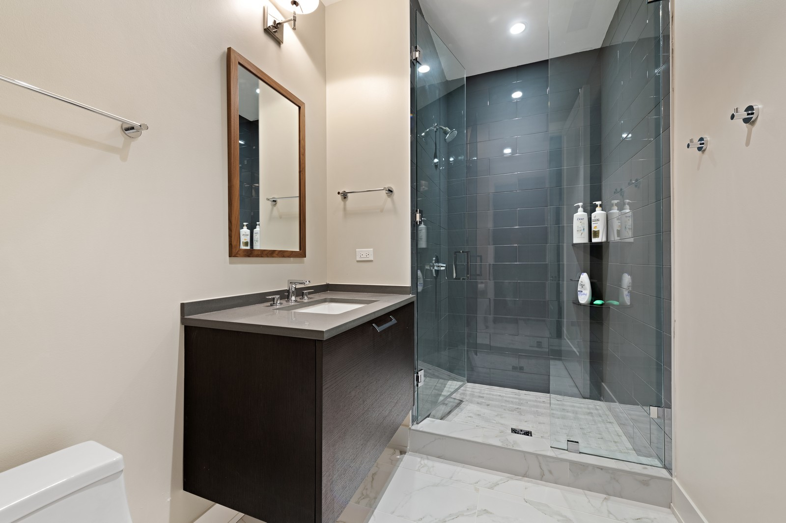 Real Estate Photography - 676 N Kingsbury, Unit 204, Chicago, IL, 60654 - 2nd Bathroom