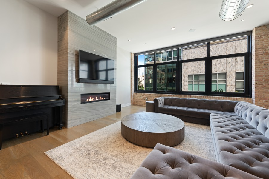 Real Estate Photography - 676 N Kingsbury, Unit 204, Chicago, IL, 60654 - Living Room
