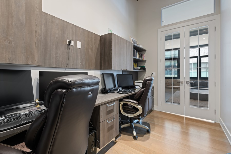 Real Estate Photography - 676 N Kingsbury, Unit 204, Chicago, IL, 60654 - Office