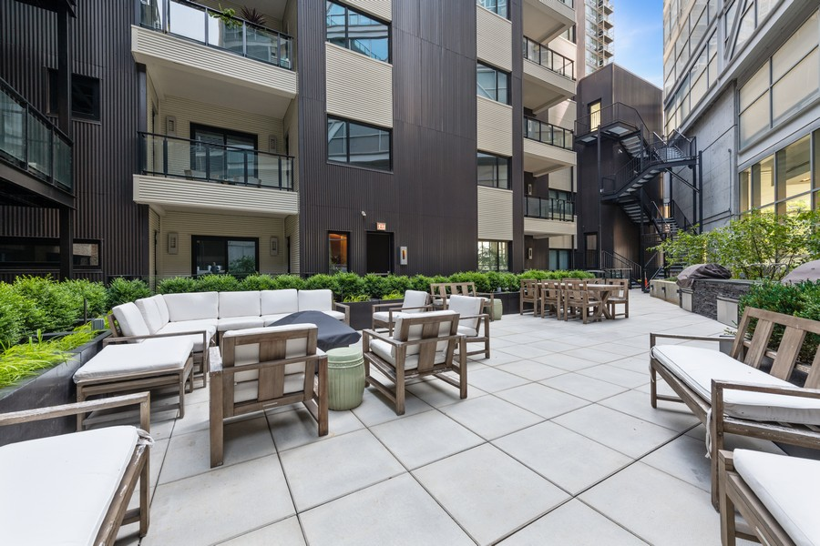Real Estate Photography - 676 N Kingsbury, Unit 204, Chicago, IL, 60654 - Patio