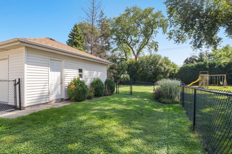 Real Estate Photography - 115 Burton Place, Arlington Heights, IL, 60005 - Back Yard