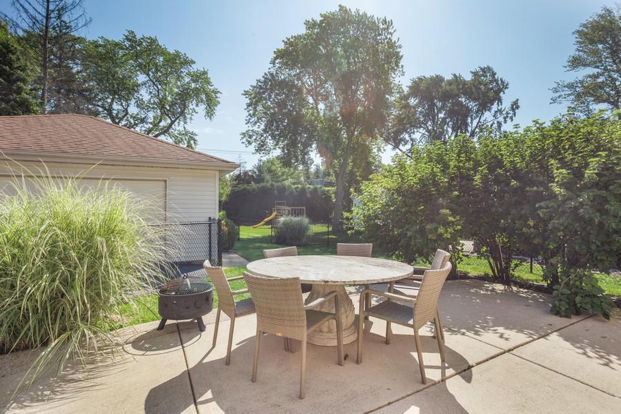 Real Estate Photography - 115 Burton Place, Arlington Heights, IL, 60005 - Patio