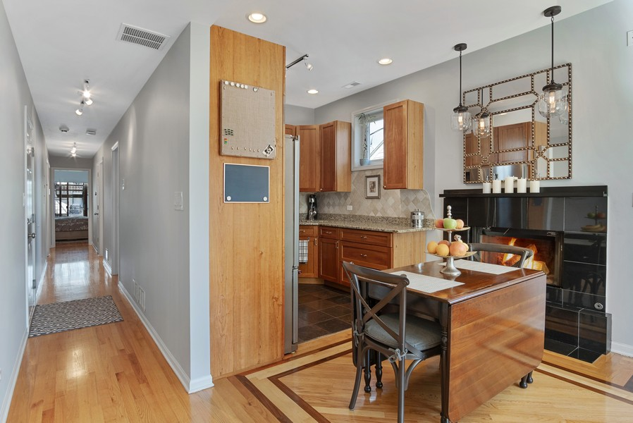 Real Estate Photography - 946 North Wood Street Unit 2, chicago, IL, 60622 - Kitchen / Dining Room