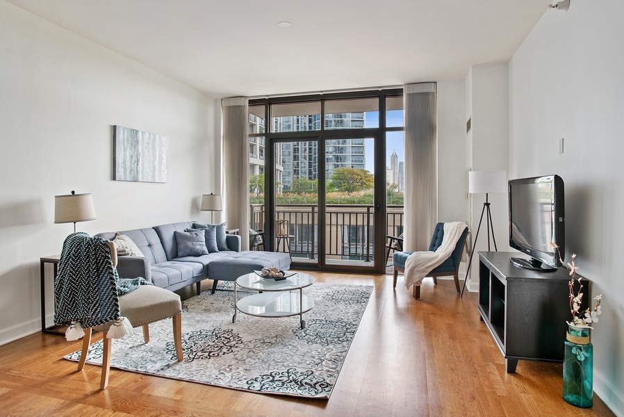 Real Estate Photography - 233 E 13th 603, Chicago, IL, 60605 - Living Room