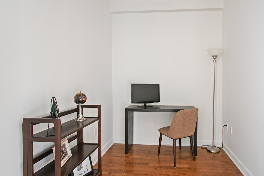 Real Estate Photography - 233 E 13th 603, Chicago, IL, 60605 - Office