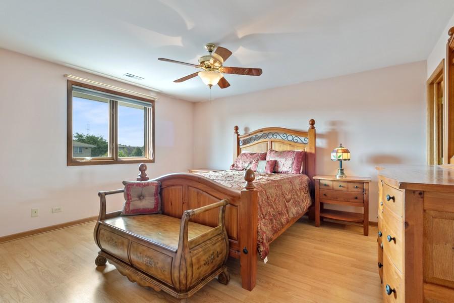Real Estate Photography - 17731 Bernard Dr, Unit 3B, Orland Park, IL, 60467 - Master Bedroom
