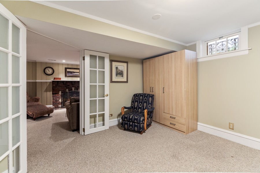 Real Estate Photography - 112 Derbyshire, Arlington Hts, IL, 60004 - 4th Bedroom