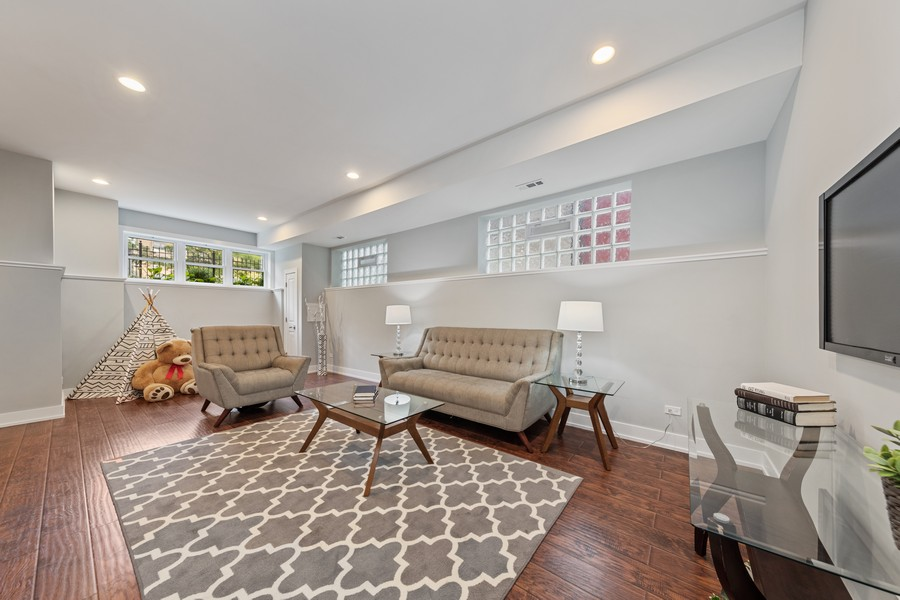 Real Estate Photography - 3248 S Prairie Avenue, Chicago, IL, 60616 - Lower Level