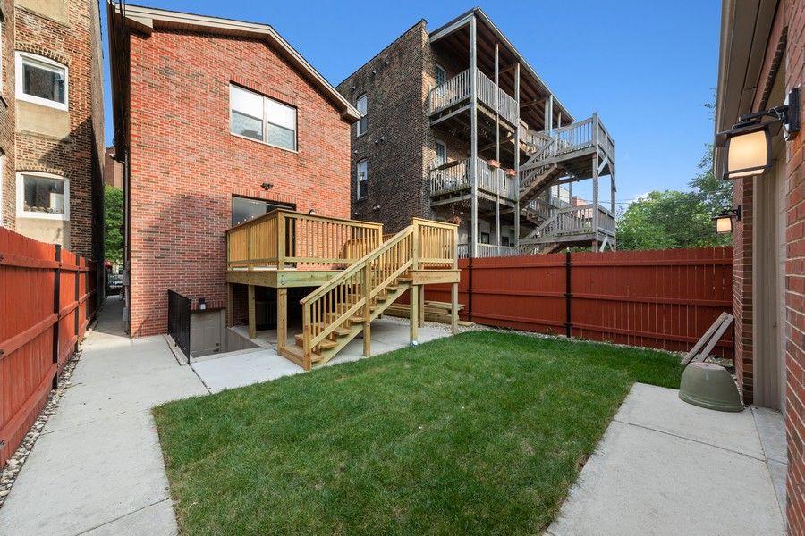 Real Estate Photography - 3248 S Prairie Avenue, Chicago, IL, 60616 - Rear View