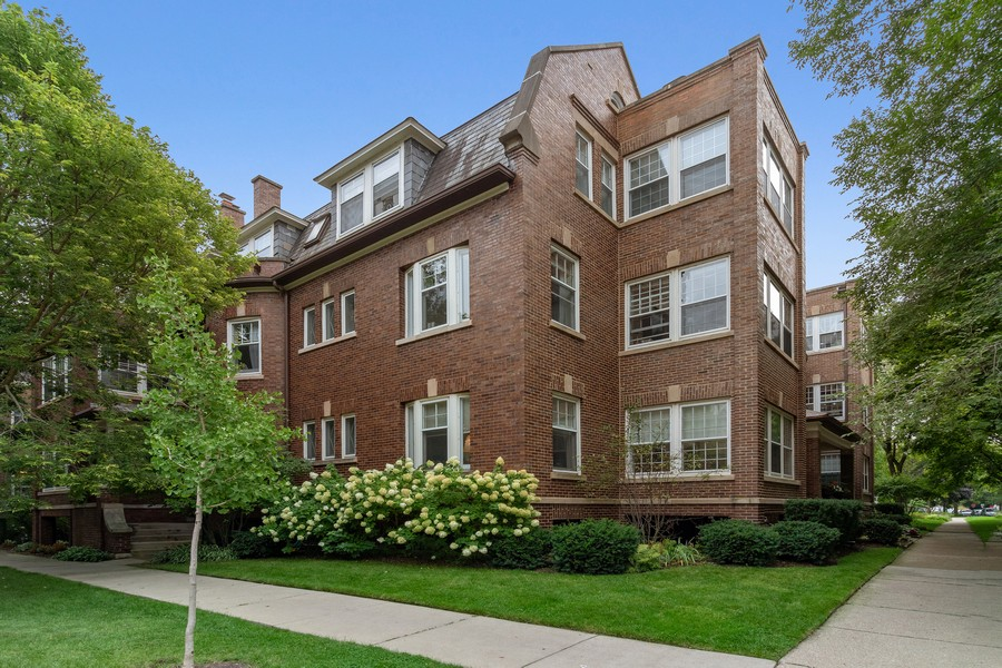Real Estate Photography - 426 Hamilton, Unit 2, Evanston, IL, 60202 - Front View